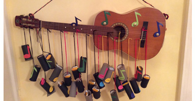 Gitarre-an-der-Wand